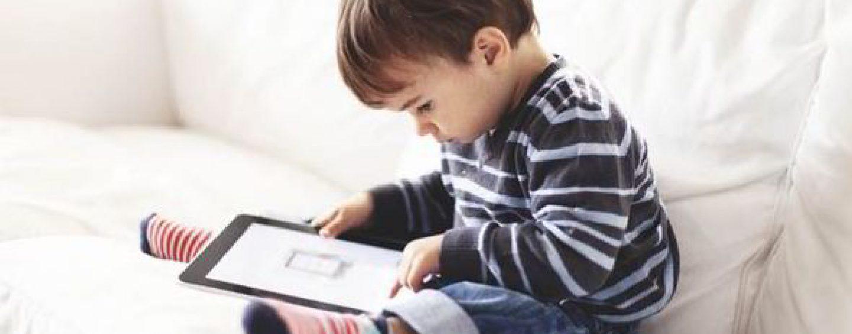 Utilisation des appareils mobiles par les jeunes enfants : parents positivez !